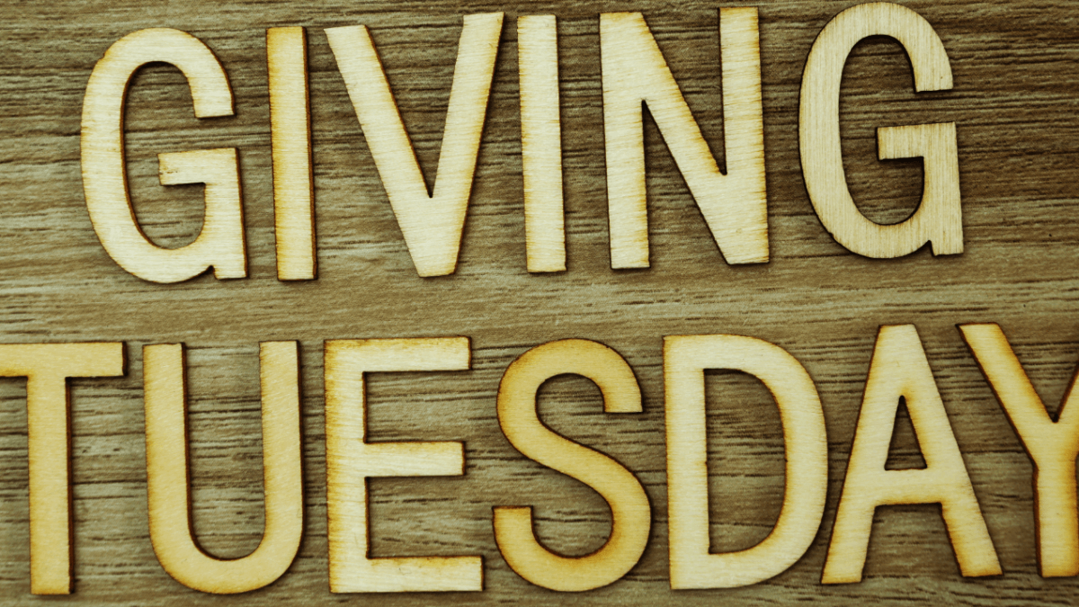 Use Peer to Peer Fundraising on Giving Tuesday